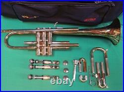 Nice Getzen Trumpet Refurbished Case & Getzen 7C Mouthpiece R46524